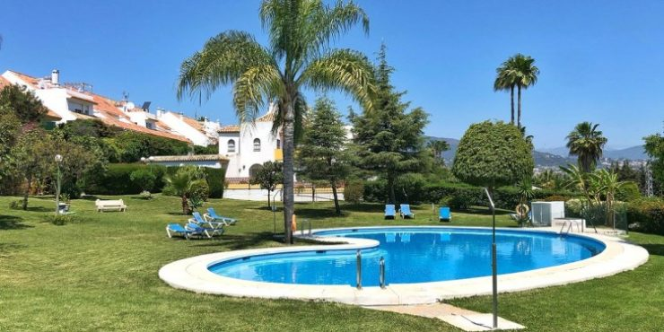 Townhouse in Estepona – DVG-TH1535